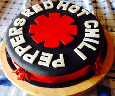 """Torta """"Red hot chili peppers"""""""