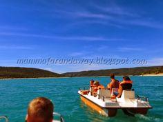 Pedalo' nel Lago Sainte Croix e Gole del Verdon French Riviera, Cool Places To Visit, The Good Place, France, Kids, Holy Cross, Young Children, Boys, Children
