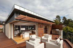 Attraktives Eko Haus mit traumhaftem Blick über den Pazifischen Ozean - http://wohnideenn.de/architektur/06/attraktives-eko-haus-pazifisch-ozean.html  #Architektur