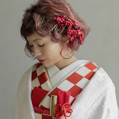 Wedding Hair And Makeup, Bridal Hair, Hair Makeup, Up Styles, Hair Styles, Japanese Wedding, Kimono Outfit, Hair Arrange, Japan Fashion