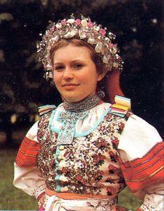 Women's Costume and embroidery of the Pieniny - Dunajec region, Slovak village Lendak. Red Vest, Blue Vests, Folk Clothing, Batik Prints, Floral Print Skirt, Folk Costume, Cutwork, Fashion History, Traditional Dresses