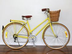 For Sharon - Sydney Vintage Bike yellow Velo Vintage, Vintage Bicycles, Old Fashioned Bike, Bicycle Shop, Cycle Chic, Bike Style, Bike Accessories, Mellow Yellow, Bunt