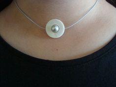 collier perle d'eau douce grise, nacre sur fil