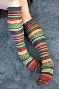 Burgundy, cocoa, and lime - I have 2 pair of these already and they are amazing.  So soft, so warm.  Well worth the price.