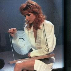 Mylène Farmer - Sacrée Soirée - TF1 - 01 novembre 1989