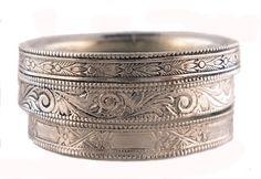 Antique Look Wedding Rings (Source: jansjewells.com)