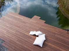 Homeplaza - Speziell behandelte Thermo-Esche verschönert die Terrasse - Attraktiv, langlebig und leicht zu verlegen