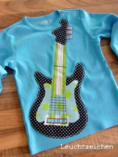 absolutely cool guitar shirt made using my tutorial http://www.farbenmix.de/shop/Alle-Kreativ-Ebooks/I-love-music-Kreativ-Ebook::10194.html