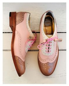 ABO pink brogues My perfect shoes! Pretty Shoes, Beautiful Shoes, Cute Shoes, Me Too Shoes, Shoe Boots, Shoes Sandals, Ankle Boots, Oxford Shoes Outfit, Dress Shoes