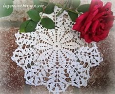Lacy Crochet: Doily of the Week Crochet Dollies, Crochet Stars, Thread Crochet, Filet Crochet, Crochet Stitches, Free Crochet Doily Patterns, Crochet Motif, Free Pattern, Crochet Ideas