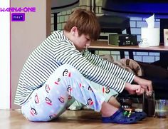 he looks so smol & cute grinding the coffee, and the best part is when jisung mom comes and back hugs him 😭😭😭 Back Hug, Actors Funny, Lai Guanlin, Joo Hyuk, Ong Seongwoo, Kim Jaehwan, Ha Sungwoon, Korean Men