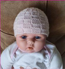 Knitting pattern for a babies basket stitch beanie Knitted Baby Beanies, Baby Hats Knitting, Knitted Hats, 4 Ply Yarn, Purl Stitch, Welcome Baby, Crochet Yarn, Knitting Needles, Free Pattern