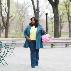 Blogger @itsmekellieb is #FitToBe bold (and beautiful) in the #NYDJ Claire Trouser and bright, ready-for-spring pops of color.