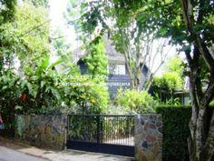 pagar rumah belanda - Penelusuran Google Architecture, Plants, House, Arquitetura, Home, Plant, Architecture Design, Homes, Planets