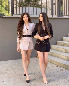 2 people people standing and shoesYou can find Short dresses and more on our people people standing and shoes Twin Outfits, Matching Outfits, Trendy Outfits, Cute Outfits, Dresses For Teens, Nice Dresses, Short Dresses, Girls Dresses, Mode Inspiration