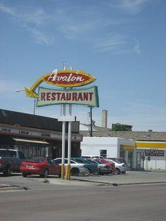 googie architecture - Google Search Googie, Restaurant, Google Search, Architecture, Style, Arquitetura, Swag, Diner Restaurant, Restaurants