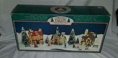 1991 Christmas Valley Collection Hollyshire Place 16 pc