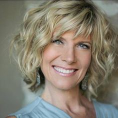 Hairstyles For Short Wavy Hair Over 60 - Hairstyles Trends Short Curly Hairstyles For Women, Wavy Bob Hairstyles, Short Hair Cuts, Hairstyles 2018, Braided Hairstyles, Pixie Haircuts, Curly Short, Trendy Hairstyles, Pixie Cuts