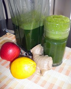 A quick and easy green smoothie recipe from the Welness Coach, Birit Trematore. It has kale, lemon, ginger and apple juice. click now for more info. Easy Green Smoothie Recipes, Lemon Smoothie, Green Drink Recipes, Juice Smoothie, Smoothie Drinks, Green Smoothies, Healthy Juices, Healthy Drinks, Healthy Tips