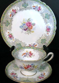 "Vintage SHELLEY Green ""Georgian"" Pattern 3 Piece TRIO; Plate, Tea Cup & Saucer"