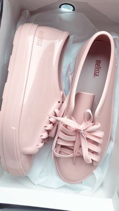 Ideas for basket femme adidas Pink Shoes, Hot Shoes, Girls Shoes, Sneakers For Girls, Melissa Shoes, Sneaker Boots, Pretty Shoes, Beautiful Shoes, Sneakers Fashion