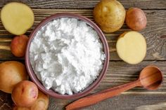Potato starch is nothing but starch obtained from potatoes. In order to extract the starch, the potatoes have to be Potato Health Benefits, Benefits Of Potatoes, Dehydrate Potatoes, Dehydrated Food, Fat Loss Diet, Fitness Nutrition, Health Tips, Healthy Recipes, Healthy Food
