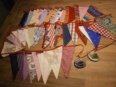 Vlaggetjes van alle bewaarde stofjes.