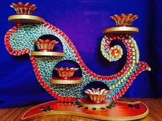 Kundan diyas Diy Craft Projects, Fun Crafts, Diy And Crafts, Crafts For Kids, Arts And Crafts, Diwali Decoration Items, Thali Decoration Ideas, Diwali Diy, Diwali Craft
