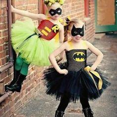 Easy DIY Halloween Costumes for Kids to Make Diy Halloween Costumes For Girls, Girl Costumes, Halloween Kids, Cosplay Costumes, Halloween Party, Diy Batgirl Costume, Costume Ideas, Batman And Robin Costumes, Batgirl And Robin