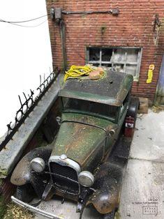 """Dad's Auto Body"" Abandoned 1930 Ford Model A, MONOGRAM 1/24 scale. By Raphael Truffi Bortholuzzi. Official Grandmondo Miniatures. #grandmondo #handmade #diorama #miniature #vignette #model_cars #scale_model"