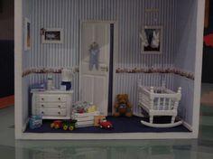 . Vitrine Miniature, Miniature Dollhouse, Diy Dollhouse, Barbie House, Small World, Diorama, Toddler Bed, Creativity, Boxes