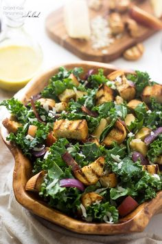 Grilled Kale Panzanella Salad: with the best smokey honey mustard vinaigrette | Foodfaithfitness.com | @FoodFaithFit
