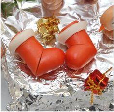 【めちゃ簡単】クリスマスにピッタリ!! ウインナーの飾り切りで作るサンタさんの長靴 | Pouch[ポーチ]