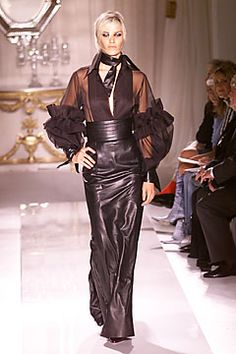 Julien Macdonald for Givenchy Fall 2001 Couture
