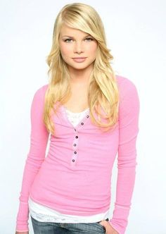 Pink top Kelli Goss, Young And The Restless, Batman Robin, Pink Tops, Actresses, Hair Styles, Sweaters, How To Wear, Aquarius