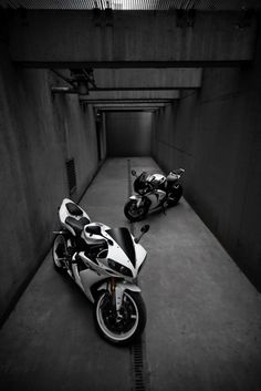 Super Bikes in the black and white always look beautiful!