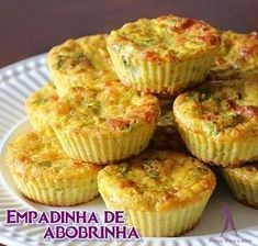 New breakfast cups recipe meals Ideas Breakfast Pizza Healthy, Breakfast Cups, Breakfast Recipes, Dairy Free Recipes, My Recipes, Healthy Recipes, Healthy Meals, Meal Replacement Smoothies, Yummy Snacks