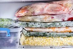 Many times, when cooking food and something is left over, you want to put it in the freezer so that you can use it again when needed. But it's not ideal for all foods—and keeping the wrong food in the freezer can lead to gross meals or even health risks. Frozen Vegetables, Fruits And Veggies, Batch Cooking Freezer, Freezer Burn, Cooking For One, Frozen Meals, Frozen Pizza, Make Ahead Meals, Food Waste