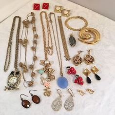Mixed Costume Jewelry Lot Modern & Vintage Watch Pendant Necklaces Earrings
