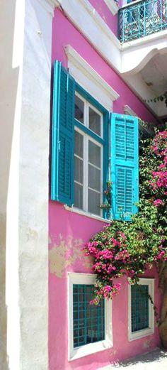 #caribbean #caribbeanlifestyle #caribbeancolours #hotcolours #colours