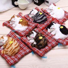 Precioso gatos juguete muñeca animal de peluche para dormir con el sonido de simulación niños decoraciones regalo de cumpleaños del juguete muñeca de peluche juguetes cat mat