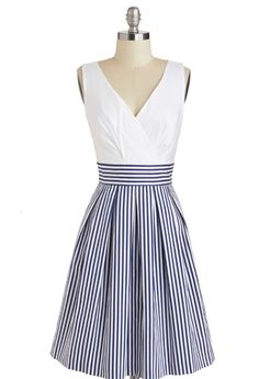 Adorable nautical type dress. Would look amazing with a red stretch belt, red wedges and a red cardigan. retro