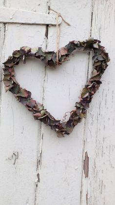 Dried Hydrangea Heart Wreath, dried flower wreath, vine wreath, wedding decoration, rustic wedding, dried flowers, home decor, by BellaPoppyFlowers on Etsy