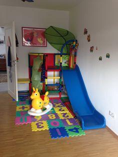 Für Mama + Papa + Kind  Move & Stic / Quadro Klettergerüst  Mama und Papa dürfen kreativ bauen und das Kind dann klettern, Höhle bewohnen, Baumhaus spielen und rutschen