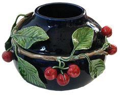 Ceramic pottery dark vase green leaves and red fruit Ceramic Decor, Ceramic Pottery, Ceramic Art, Floating Garden, Bone Crafts, Garden Totems, Ceramic Painting, Tropical Garden, Porcelain Ceramics