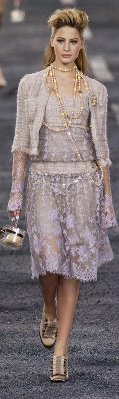 Chanel ~ Fall Lavender Floral Dress 2004 via Progressive Research Armani Prive, Daily Fashion, High Fashion, Womens Fashion, Chanel Fashion, Couture Fashion, Coco Chanel, Elie Saab, Petite Models
