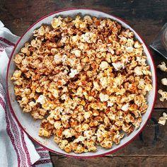 Recept: Popcorn med kokos, kanel och chili