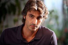 Daniele Liotti - Buscar con Google Terence Hill, Bradley James, Eye Make, Fiction, Dreadlocks, Actors, Eyes, Hair Styles, Face