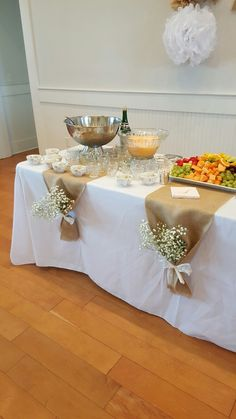 wedding table decorations 708191110142388288 - Bridal Brunch Tischinszenierungen – Source by Bridal Shower Tables, Bridal Shower Rustic, Bridal Shower Flowers, Baby Shower Table, Bridal Shower Party, Birthday Brunch, Birthday Parties, 50th Birthday, Wedding Table Decorations