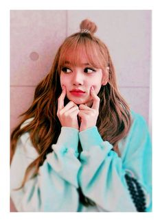 Lisa Blackpink So cute Blackpink Lisa, Jennie Blackpink, Kpop Girl Groups, Kpop Girls, Lisa Blackpink Wallpaper, Blackpink Video, Kim Jisoo, Black Pink Kpop, Blackpink Photos